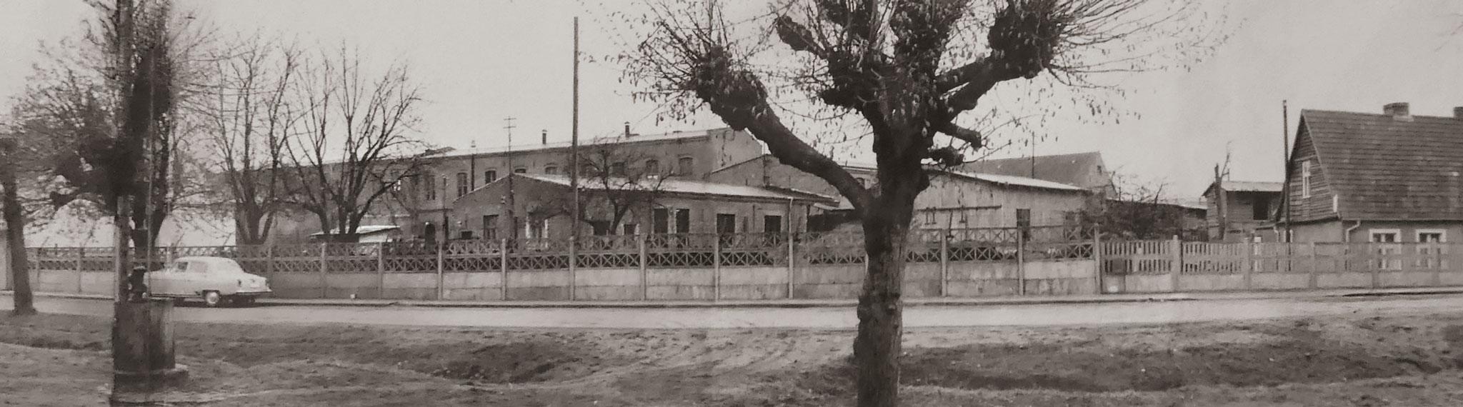 Schwarz-100-Jahre